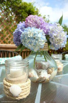 met schelpen en bloemen