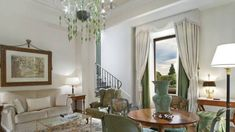 See enlarged preview for Duomo View Executive Suite.