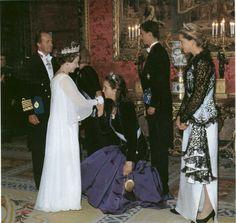 HM wearing the Girls tiara, meeting and greeting the family of King Juan Carlos of Spain