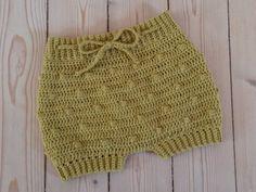 Crochet Baby Dress Patterns For Beginners. Crochet Baby Bloomers, Crochet Romper, Crochet Bebe, Crochet Baby Clothes, Crochet Baby Hats, Crochet For Kids, Baby Knitting, Knit Crochet, Boy Crochet Patterns
