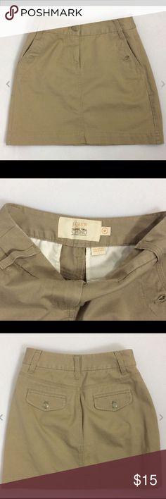"J. CREW Twill Chino Skirt / Cotton Mini Size 0 J. CREW Twill Chino Skirt / 100% Cotton Mini Size 0  Beautiful condition   Waist 24"" Length 15"" Hips 32""   Thanks for looking!   B248 J. Crew Skirts Mini"