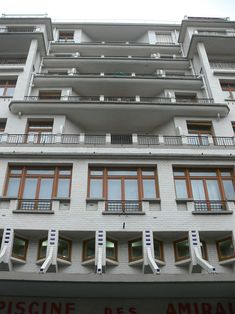 Immeuble Sauvage - piscine des amiraux - balconies rue Hermann-Lachapelle…