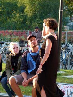 Aquarelle von Frank Koebsch während der regio:polis | Teresa Trabert die Macherin der regio polis im Gespräch (c) FRank Koebsch (1)
