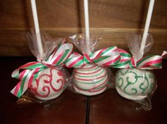 Lovely Christmas pops are yummy and festive!!! Bebe'!!! Small handmade items festively wrapped make great holiday happies for friends and neighbors or stocking stuffers for family members!!!