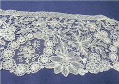 antique Duchesse or bobbin lace