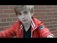 Song: Never Give Up  Artist: JohnnyO  Songwriter: Nathaniel Levingston/IManageStars  Producer: Dre Da Mos  Thanks for checking out the official music video of jonnyOsings