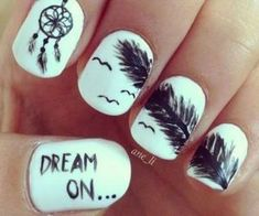 I, myself cant do nails such as these but these nails are beautiful and i love the dream catcher on the single finger. I also really like the message on the thumb. This is such a cute and creative design.# my nails Kaelyns Super Cute Nails, Pretty Nails, Dream Catcher Nails, Dream Catchers, Feather Nail Art, Cute Nail Art Designs, Fingernail Designs, Pretty Designs, Nails Tumblr