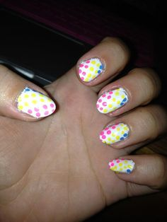 candy dot nails :)