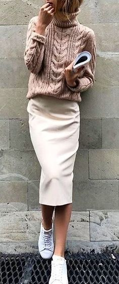 woman wears brown sweater and white skirt. Pic by @streetstyles_world