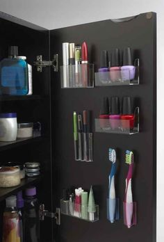 "Use removable plastic pods to keep your toiletries organized.  And other neat ""dorm room"" tricks"