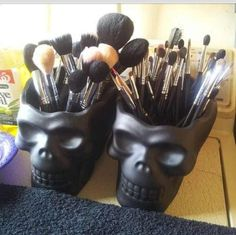 Skull heads as a makeup brush holder... But paint glitter all over them. ✨