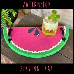 This serving tray is absolutely beautiful and great for summer parties . Watermelon And Lemon, Watermelon Decor, Decorating Blogs, Porch Decorating, Sweet Magnolia, Summer Bbq, Summer Parties, Mason Jar Diy, Tray Decor