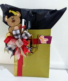 Present Wrapping, Boombox, Ideas Para, Diy And Crafts, Centerpieces, Wraps, Presents, Basket, Baby Shower