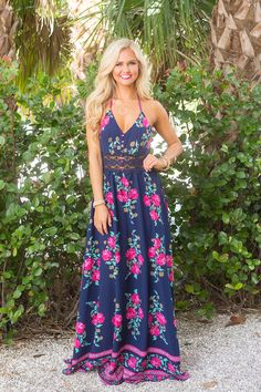 Love the classic- non fussy neckline, the bold bright colors (can't go wrong with hot pink & navy!) and the fun modern floral print. -This Story Never Ends Maxi Dress Navy Navy Floral Maxi Dress, White Maxi Dresses, Maxi Dress With Sleeves, Dresses Dresses, Casual Dresses, Casual Clothes, Shirt Sleeves, Short Beach Dresses, Summer Dresses