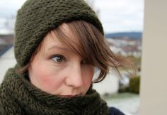 whirl it kit. free pattern.  hat gorgeous. cowl, not sure.