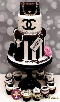 Chanel Birthday Cake but instead of the name angela i'll rather have you put – Lace Wedding Cake Ideas Chanel Torte, Coco Chanel Cake, Chanel Birthday Cake, Cake Birthday, Bolo Channel, Super Torte, White Desserts, Sweet 16 Cakes, Sweet 16 Birthday