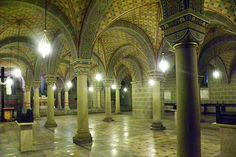 Die Unterkirche der Kathedrale in Pécs Hotels, Barcelona Cathedral, Building, Travel, Europe, Traveling, Viajes, Buildings, Trips