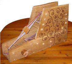Tablet weaving loom. Der neue, im Eigenbau entstandene Webrahmen