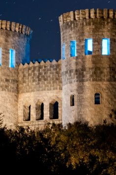 A homemade castle on the coast of Florida! Castle Otttis. In St. Augustine, FL. I've been there twice and how have I never been to this castle?!