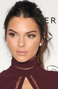 Kendall Jenner makes even messy hair look good.