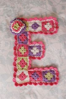 Alli Crafts: Free Pattern: Girl's Room Wall Decor Letter 'E'...I bet a J can be done for my Pashpoush