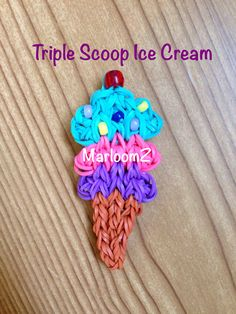 Triple Scoop Ice Cream - Rainbow Loom (No video tutorial as of yet. Loom Band Patterns, Rainbow Loom Patterns, Rainbow Loom Creations, Rainbow Loom Bands, Rainbow Loom Charms, Rainbow Loom Bracelets, Loom Love, Fun Loom, Rubber Band Crafts