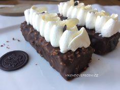 Čokoládové dortíky s mandlemi - Víkendové pečení Cheesecake, Cupcakes, Sweets, Baking, Desserts, Recipes, Food, Cups, Tailgate Desserts