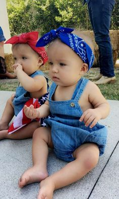 Twin Baby Clothes, Twin Baby Gifts, Cute Twins, Cute Babies, Beautiful Children, Beautiful Babies, Little Babies, Baby Kids, Baby Baby