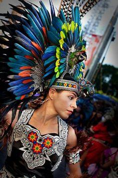Macaw headpiece