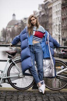 Gigi Hadid for Tommy Hilfiger Estilo Gigi Hadid, Gigi Hadid Style, Street Look, Street Style, Gigi Hadid Outfits, Vetement Fashion, Weird Fashion, Fashion Models, Fashion Trends