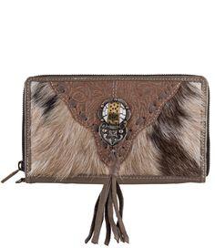 De Big Wallet van Pretty Hot And Tempting is een stoere portemonnee voor elke gelegenheid. Ook te gebruiken als clutch. (€89,95)