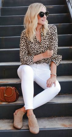 Leopard Print Outfits Timeless Trend - Leopard Dresses - Ideas of Leopard Dresses Leopard Print Outfits, Animal Print Outfits, Leopard Print Top, Leopard Blouse, Mode Outfits, Casual Outfits, Fashion Outfits, Jeans Fashion, Fashion Ideas