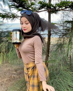 Curvy Women Fashion, Womens Fashion, Hijab Fashionista, Hijab Chic, Girl Hijab, Beautiful Hijab, Muslim Women, My Girl, Bodycon Dress