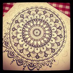 Pin by alice regan on mehndi mandala designs мандалы, идеи д Mandala Pattern, Zentangle Patterns, Mandala Design, Zentangles, Mandala Doodle, Doodle Art, Mandalas Drawing, Doodle Designs, Dot Painting