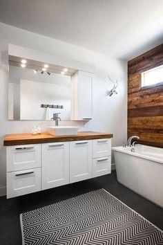 32 Small Bathroom Design Ideas for Every Taste - The Trending House Bathroom Renos, Basement Bathroom, Master Bathroom, Bathroom Ideas, Family Bathroom, Modern Bathroom, Small Bathrooms, Kitchen Sink Organization, Organization Ideas