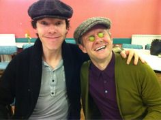 OMG... they are doing read throughs for season 3. He has dark hair again!!!! I'm dying... Martin and Benedict!!!!