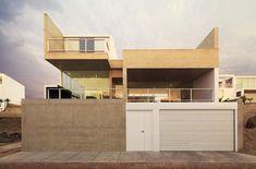 Casa Cubo  / Nomena