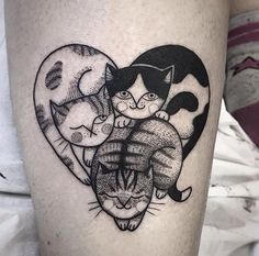 The gallery of 60 adorable cat tattoo ideas will make you fall in love with cats and cat tattoos. Hurry up to check out popular animal tattoo designs from tattoo trends 2019 and pick the one to pamper your body. Great Tattoos, Beautiful Tattoos, Body Art Tattoos, New Tattoos, Arrow Tattoos, Friend Tattoos, Temporary Tattoos, Small Tattoos, Tattoo Feminin