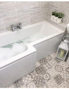 L shaped bath and plants shelf L Shaped Bathroom, Add A Bathroom, Modern Master Bathroom, Bathroom Layout, Basement Bathroom, Bathroom Interior Design, Cottage Shabby Chic, Bathroom Renovations, Bathroom Inspiration