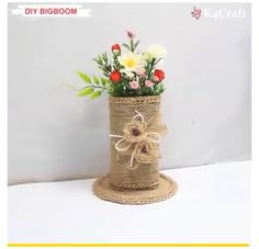 Amazing DIY Ideas #vase #decorating #ideas #diy #videos Diy best out of waste bottle and wool home decoration idea. Diy Crafts Hacks, Diy Home Crafts, Diy Arts And Crafts, Craft Stick Crafts, Diy Crafts Videos, Diy Craft Projects, Creative Crafts, Paper Flowers Craft, Paper Crafts Origami