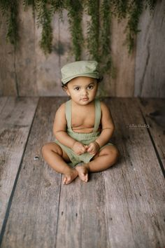 Baby Boy Photography, Newborn Photography Props, Baby Boy Photos, Newborn Pictures, Newborn Photo Outfits, Boy Outfits, News Boy Hat, Organic Baby, Trendy Baby