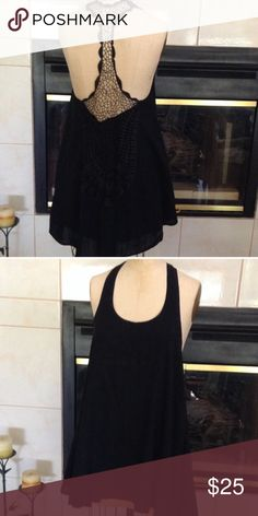 Black Summer Dress Beautiful condition, only worn once. Made of 100% cotton. Dresses Midi