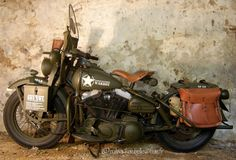 Harley Davidson 883 XWL WARBOY - saddle bags, seat, ammo can, canteen
