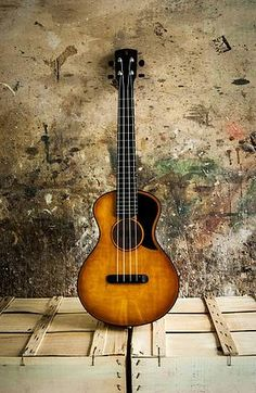 Marco Todeschini - Antica - Tenor Ukulele - Made in Verona, Italy // simply stunning Ukulele Instrument, Ukulele Chords Songs, Cool Ukulele, Tenor Ukulele, Ukelele, Guitar Songs, Cool Guitar, Music Instruments, Acoustic Guitar Strap
