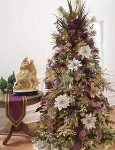 Lots of beautifully decorated Christmas Tree ideas