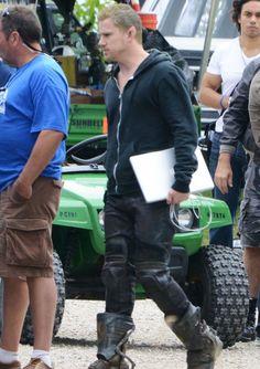 "Channing Tatum en el set de su próxima película, ""Jupiter Ascending"", en Illinois. ¿Qué tal luce así?"