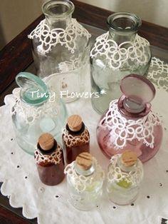 ガラスびん+タティングレース  Tiny Flowers* にゃんことてしごと ~猫とタティングレース~