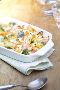 Bandnudel-Lachs-Brokkoli-Auflauf mit Sahne-Schmelzkäse - optional noch gratinieren - ich-liebe-kaese.d...