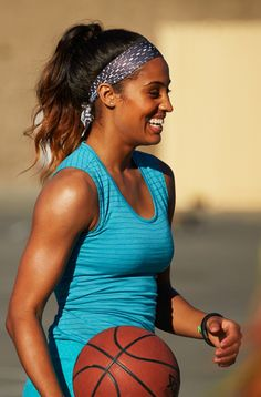 Stay cool. #skylardiggins #headbandnation #tank