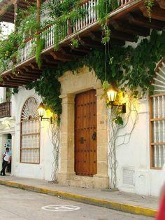 House for rent in Cartagena de Indias  www.luxurysolutionsco.com  contact us....